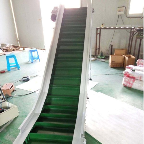 Hairise Inclined PVC Belt Conveyor with Green Color Featured Image
